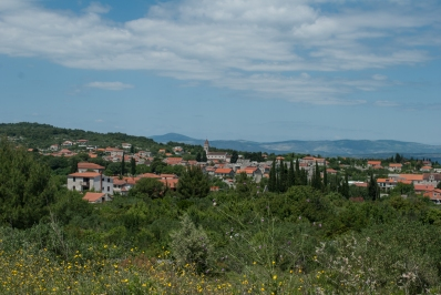It was a beautiful, small town. Perhaps its most fun quirk was discovering several houses had small rowboats on their roofs. There was not much else to see, so we decided to continue on to another coastal village: Nečujam.